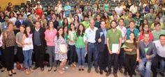 - Marcos Aguilar entregó certificados de becas Vive México en Querétaro Durante la entrega de certificados de las becas Vive...