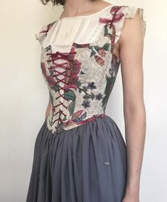 Bodice Renaissance Corset in Floral Jacobean Style Pink, Blue, and Gold Floral with Adjustable Shoulder Straps MADE TO MEASURE Peasant Bodice Renaissance Corset in Floral Jacobean Style Renaissance Fair Costume, Renaissance Dresses, Medieval Dress, Renaissance Fashion, Corset Vintage, Vintage Dresses, Vintage Outfits, Medieval Clothing, Corsets