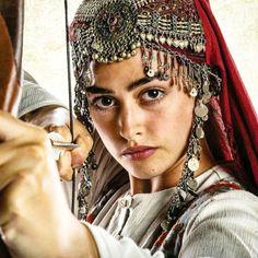 Black Patiala Suit, Kazakhstan People, Esra Bilgic, Silhouette Painting, Brave Women, Tribal Dress, Islamic Clothing, Beautiful Girl Photo, Traditional Dresses