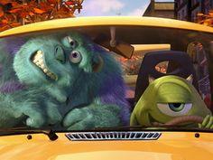 Ο Μάικ καλεί τον φίλο του Σάλι για μια βόλτα με το καινούριο του τριαξονικό και εξακίνητο αυτοκίνητο. Τι είναι όμως όλα αυτοί οι περίεργοι διακόπτες και τα χειριστήρια; Η απάντηση σε ένα ξεκαρδιστικό βίντεο με τους δύο πρωταγωνιστές της ταινίας καρτούν «Μπαμπούλας Α.Ε.». Απολαύστε το.
