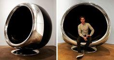 Un fauteuil fait avec un réacteur de Boeing 737 recyclé