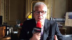 Gilles Ricour de Bourgies, président de la Fnaim du Grand Paris, analyse l'alternative offerte par la transformation de bureaux en logements en Ile-de-France.