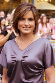 a good haircut on hersuch a good haircut on her Hair Lights, Light Hair, Mariska Hargitay, Cute Short Haircuts, Cool Haircuts, Short Sassy Hair, Short Hair Cuts, Medium Hair Styles, Short Hair Styles