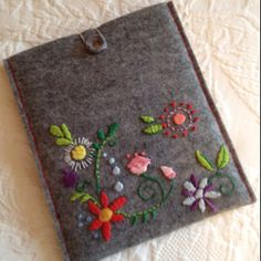 Embroidered pouch - kindle sized? cell phone size?
