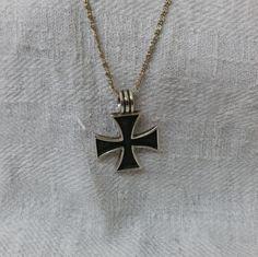 Eisernes Kreuz Silberanhänger SK547 von Schmuckbaron auf Etsy