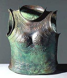 A bronze age cuirass for a woman dated between the 11th and 8th century BC was found at Haute Marne in the Netherlands. Likely ceremonial. Site Officiel du Musée dArchéologie Nationale et du Domaine National de Saint-Germain-en-Laye.