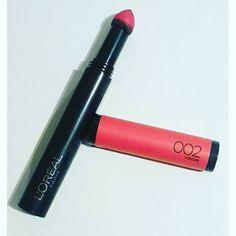 Sur mes #lèvres aujourd'hui le joli #mattemax de @lorealmakeup Il s'agit de la couleur 002 virgin  #monavis : très belle couleur qui dure toute la journée facile d'application on n'a pas l'impression de porter du #rougealevres . On peut intensifier la couleur selon l'humeur. Le bémol c'est qu'il assèche les lèvres et marque les imperfections. J'ai donc testé avec un baume à lèvres en dessous et c'est beaucoup mieux. #motd #makeupaddict #lipart #pink #rose #lipstick by le_boudoir_de_la_belle