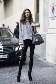 Models Off Duty, Street style, and Fashion. Looks Street Style, Looks Style, Model Street Style, Winter Outfits, Casual Outfits, Black Outfits, Grey Outfit, Grunge Outfits, Simple Outfits
