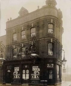 Jolly Anglers Kentish town nw5 1904. London Pubs, North London, Vintage London, Old London, Camden Town, High Road, Barnet, Old Photos, Louvre