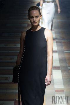 Lanvin Frühjahr/Sommer 2015 - Pret-a-porter - http://www.flip-zone.de/fashion/ready-to-wear/fashion-houses-42/lanvin-5037 - ©PixelFormula