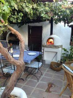 farmhouse courtyard pizza oven