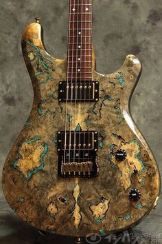 Knaggs Severn T2 Trembuck with Burl top and inlaid Chrysocolla stone - photo Toshio Nonaka
