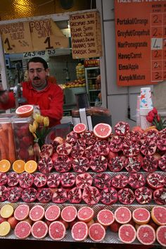 Pomegranate juice, Istanbul, Turkey