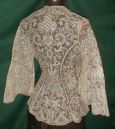 1860 boudoir jacket back. Vintage lace being used as clothing! Vintage Outfits, Vintage Dresses, Historical Costume, Historical Clothing, Victorian Fashion, Vintage Fashion, Vintage Couture, Look Retro, Pearl And Lace
