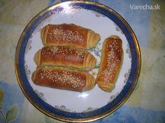 Slané rožky krútené - recept   Varecha.sk Hot Dog Buns, Hot Dogs, Ale, Bread, Food, Basket, Ale Beer, Brot, Essen