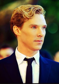 Benedict Cumberbatch, is it weird that I think  he just looks really pretty here