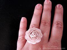 flower_wearing