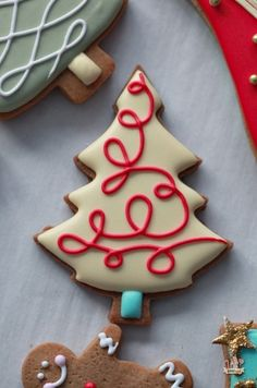 Elegant Swirled Iced Decorated Christmas Tree Cookies | Sweetopia