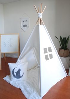White Canvas Teepee Play Tent Kids Teepee von ShopLittleWanderer