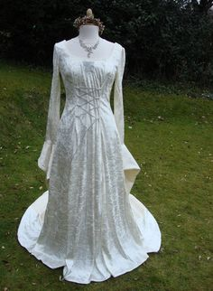 Ivory Galadriel medieval renaissance art nouveau pagan Handfasting celtic  wedding gown   dress 8 TO 14Celtic Wedding Dresses Plus Size   http www lightinthebox com A  . Plus Size Celtic Wedding Dresses. Home Design Ideas