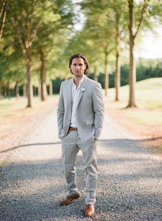 elegant-virginia-outdoor-wedding-groom-suit