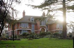 Yep, we'll take TomKat's English countryside home.