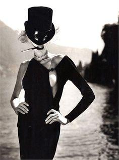mme-edna: Photo by Helmut Newton for Vogue Italia September 1996