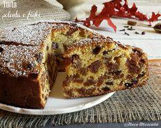 Profumi e sapori d'autunno con la Torta polenta e fichi, uvetta e nocciole, da gustare con una calda e fumante tazza di tè!