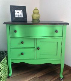 Small Dresser Found In My Grandmother S Bat Painted With Folk Art Irish Green Chalk Paint And Clear Wax