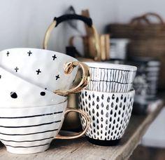 cute coffee mugs cactus Pottery Painting, Ceramic Painting, Pottery Mugs, Ceramic Pottery, Ceramic Cups, Ceramic Art, Tassen Design, Keramik Design, Cute Coffee Mugs