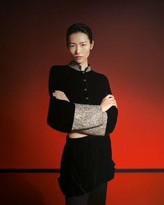 Giorgio Armani gets inspired by Chinese ambience and aesthetics for th Fall season. #GiorgioArmani #Armani #Fall21 #fw21 Liu Wen, Victoria Secret Fashion Show, Giorgio Armani, Supermodels, Tops, Women, Top Models, Woman
