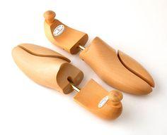 Hormas para calzado | Calza Arte Garden Trowel, Garden Tools, Gold Spray, Shoe Last, Shoes, Templates, Shoe Tree, Over Knee Socks, Shoe