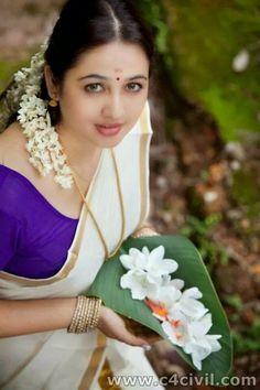 Actress Aavaana in Set Saree PART 1 More : http://www.c4civil.com/2014/10/actress-aavaana-in-set-saree-photos.html