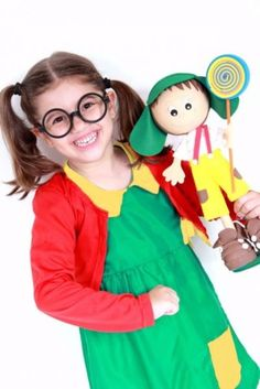 Foto do produto Fantasia Chiquinha Infantil c/ óculos Shorts, Newborn Photography, Disney Characters, Fictional Characters, Snow White, Costumes, Disney Princess, Halloween, Kids
