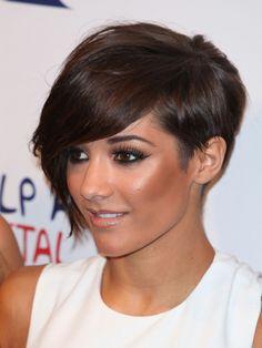 love short haircuts on women with high cheek bones <3