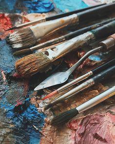 """Порохненко Кристина on Instagram: """"для того, чтобы уметь рисовать нужен талант? или упорная работа и практика? я думаю второе, рисовать может каждый🖤"""" Art Hoe Aesthetic, Aesthetic Photo, Aesthetic Pictures, Art Sketchbook, Art Studios, Artsy Fartsy, Watercolor Art, Art Photography, Art Gallery"""