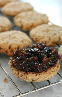 Jo and Sue: Old Fashioned Date Filled Oatmeal Cookies
