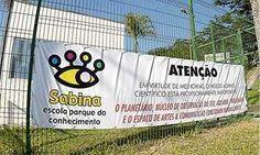 Sem monitores, Sabina suspende programação