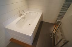#WhiteCrystal #bath top and splash backs
