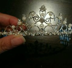 ♥ Brautdiadem silber ♥  Ansehen: http://www.brautboerse.de/brautkleid-verkaufen/brautdiadem-silber/   #Brautkleider #Hochzeit #Wedding