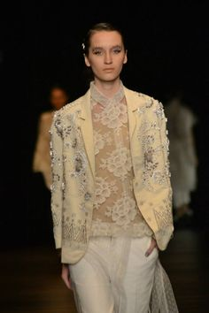 Posts about Fahrani Pawaka Empel written by Hijab Fashion, Runway Fashion, Women's Fashion, Fashion Design, I Love Fashion, Fashion Details, Couture Dresses, Lace Dresses, Asian Fabric