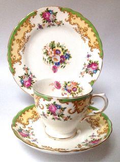 Tuscan Lorraine China Tea set tea cup saucer plate trio green flowers