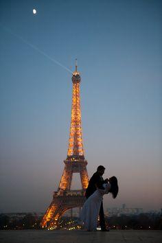 Confira o Lindo Ensaio de Noivos da Manoella e do Marcos, feito em Paris na Lua de Mel do casal. As fotos estão dignas de um Editorial da Revista da Vogue: