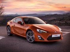 Toyota GT86 feature nice curves and power to win your heart : For more details visit our blog http://toyotaenginesandgearboxes.co.uk
