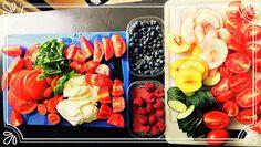 Super leckerer Salat mit frischen Beeren & Pfirsich, einfach, vegetarisch und schnell Super, Peach, Summer Time, Basil, Vegetarian Recipes, Raspberries, Tomatoes