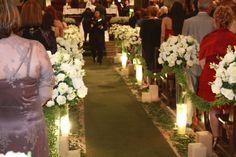Decorações realizada na capela da Puc, as flores usadas foram, lisiantos e boca de leão.