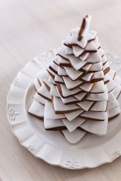 Image about white in Dessert 🍰🍮🍨 by Stephens D. Christmas Tree Cookies, Christmas Sweets, Christmas Gingerbread, Christmas Baking, Christmas Holidays, Merry Christmas, Winter Holidays, Xmas, Cookie Decorating