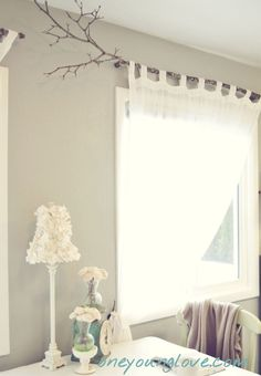 I& always liked this idea of using a branch for a curtain rod - Eye For Design: Fun, Unique, and Inexpensive Window Treatments Branch Curtain Rods, Diy Curtain Rods, Diy Curtains, Rustic Curtain Rods, Farmhouse Curtain Rods, Unique Curtains, Sheer Curtains, Unique Window Treatments, Tree Branch Decor
