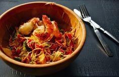 .: wok met scampi, kalfslapje, wortelen, broccoli, mihoen