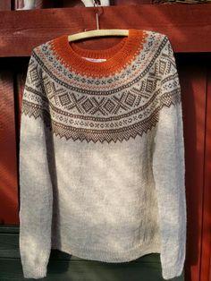 H hobbyside: Mariusgenser i Peru Alpaca light. Hand Knitted Sweaters, Sweater Knitting Patterns, Fair Isle Knitting, Hand Knitting, Chunky Knitwear, Knit Picks, Dress Me Up, Knitting Projects, Men Sweater
